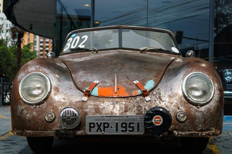 Illustration for article titled The Oldest Running Porsche in Brazil