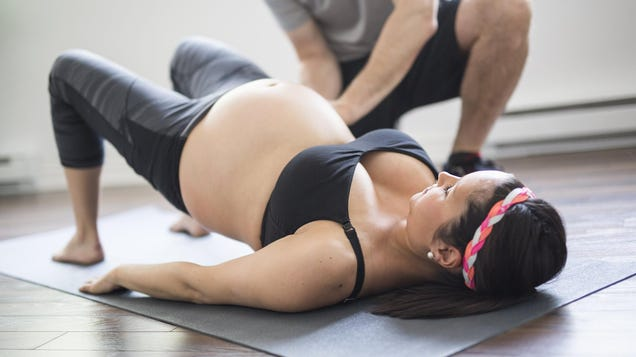 What to Look For in a Prenatal and Postpartum Fitness Trainer