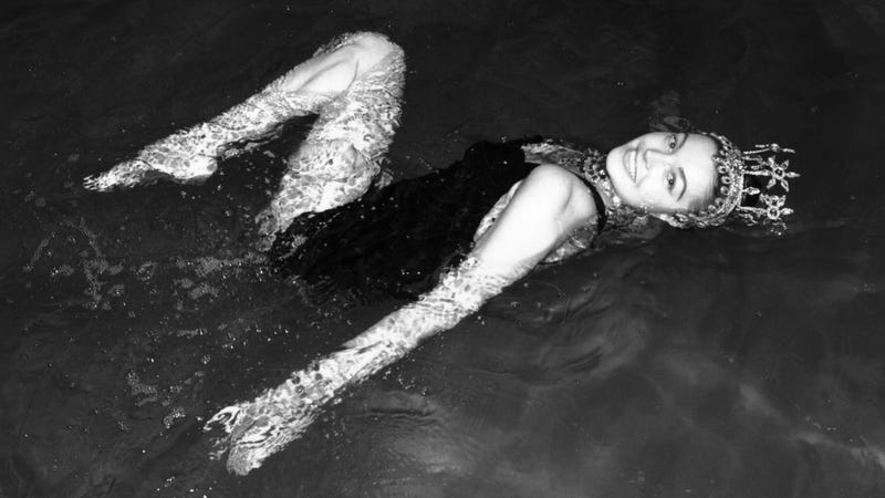 Illustration for article titled Talented Almost-Mermaid Esther Williams Has Died