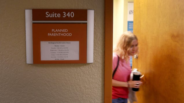 Abortion Provider Defunding Bill Forces 4 Planned Parenthood Centers to Close in Iowa