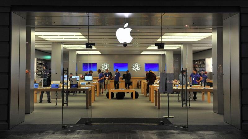 Illustration for article titled Apple Must Pay $450 Million for 'Supreme Evil of Antitrust' Ebook Scheme