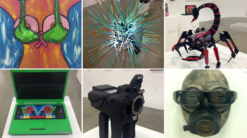 Illustration for article titled Tus viejos gadgets convertidos en arte por una buena causa