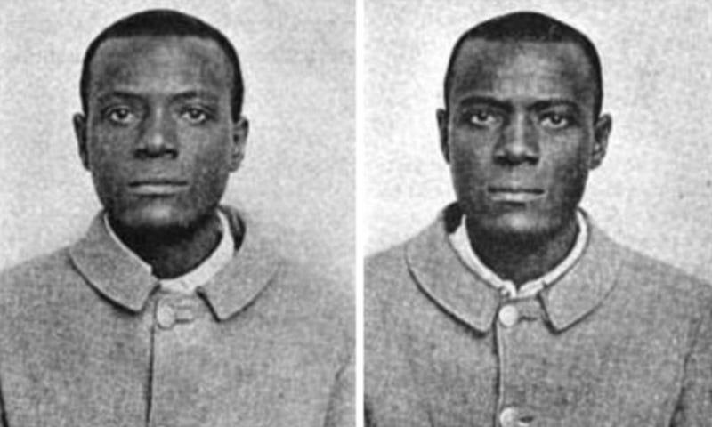 Illustration for article titled Estos dos criminales eran tan parecidos que obligaron a instaurar el sistema de huellas dactilares modernas
