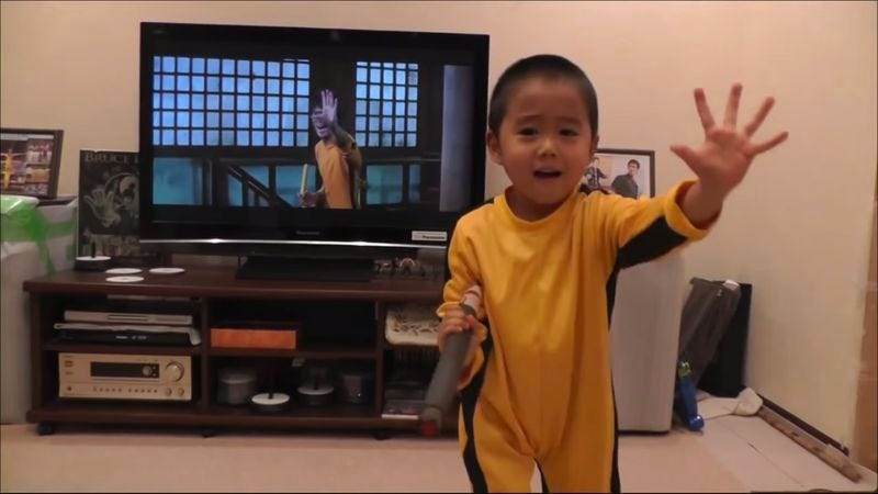 Illustration for article titled 4-year-old can perfectly mimic Bruce Lee's nunchuk moves