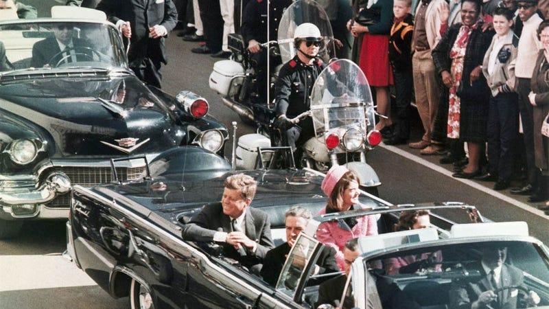 Illustration for article titled Esto es lo que revelan los documentos desclasificados sobre el asesinato de Kennedy