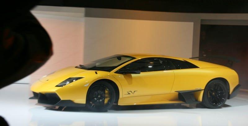 Illustration for article titled Lamborghini Murciélago LP670-4 SuperVeloce: Six HP Short Of Diabolical Perfection
