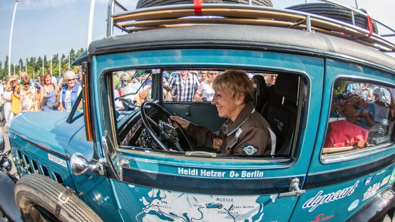 Illustration for article titled Heidi Hetzer, Racer Who Circumnavigated the Globe in a 1930 Hudson at Age 74, Dies