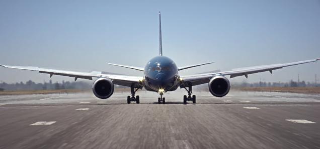 Boeing Makes Near Vertical Take Off Rehearsing For The Paris Air Show