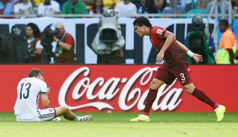 Illustration for article titled Tévedtem, mégiscsak Pepe a világ leghülyébb futballistája