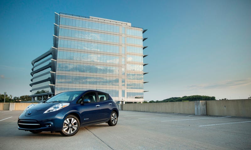 Illustration for article titled Toronto Developer Offers Free Nissan LEAF EVs To Condo Buyers