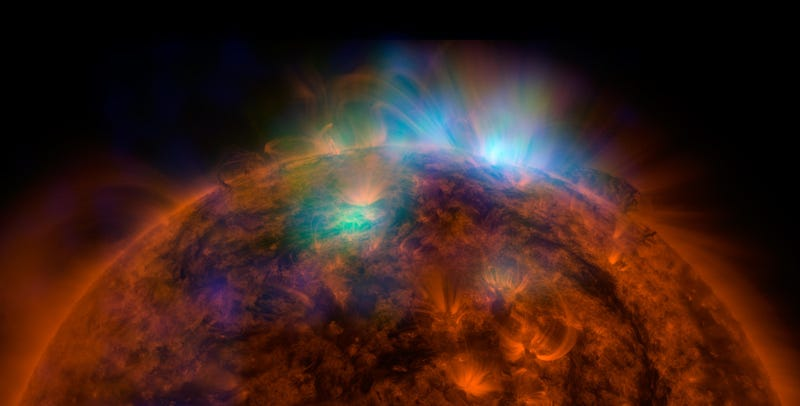 Illustration for article titled Behold Your Next Desktop Wallpaper: NuSTAR's First Picture Of The Sun