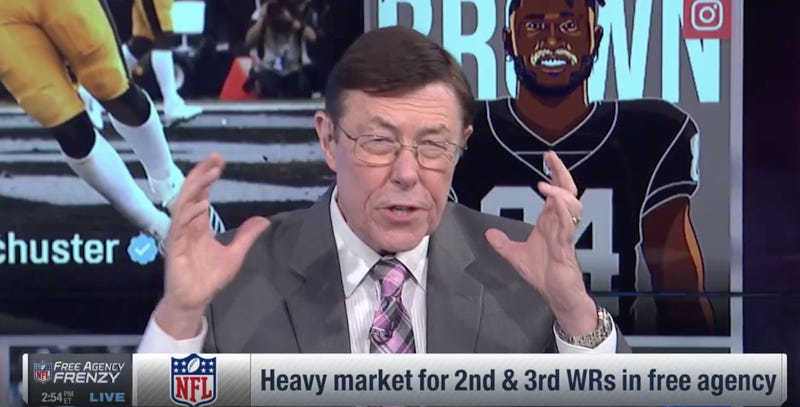 Illustration for article titled Football Genius Charley Casserly: The Cowboys Threw It To Dez Bryant Too Much Last Season