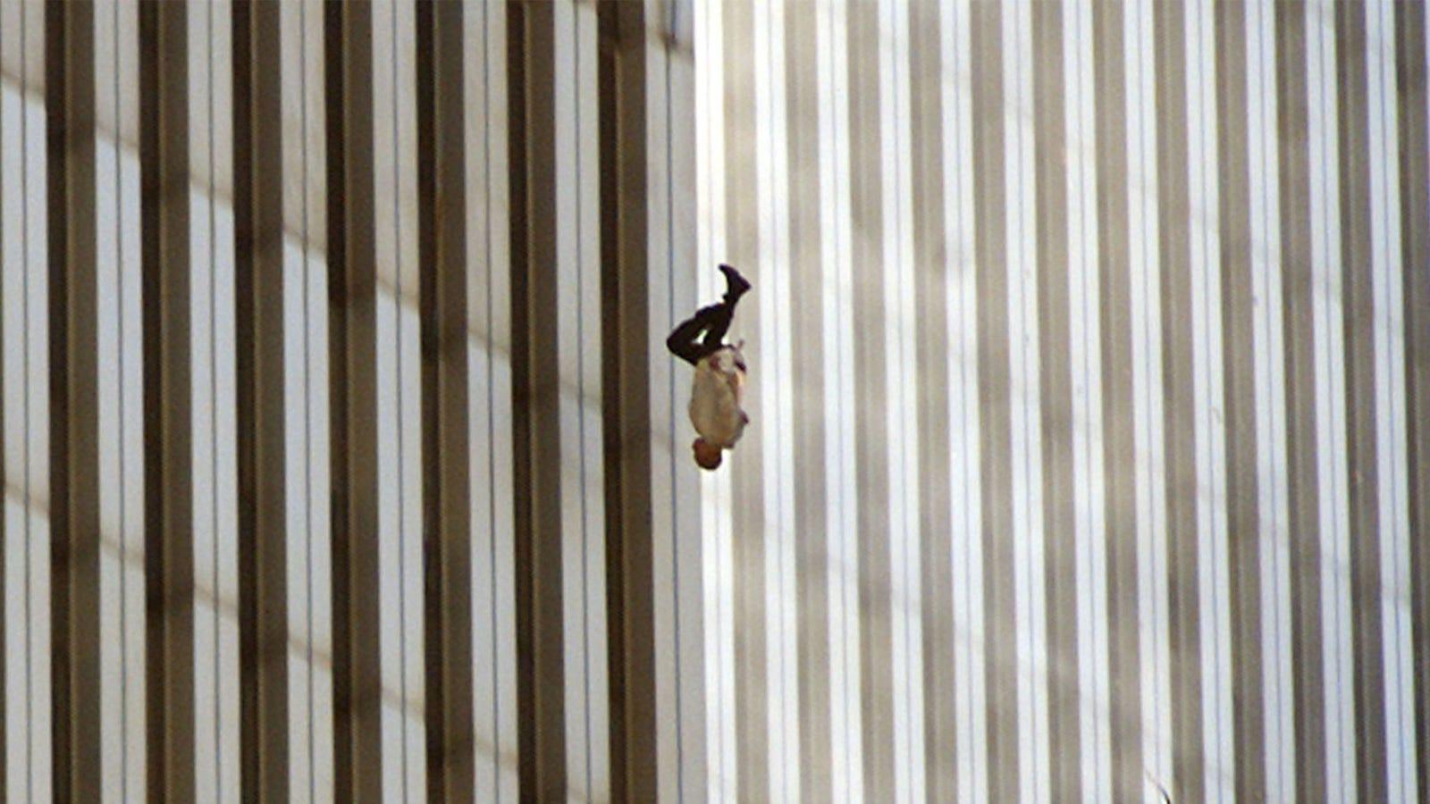 The Falling Man: la historia detrás de la foto más extraña de los atentados del 11 de septiembre