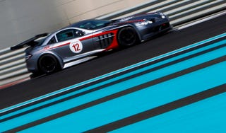 Illustration for article titled Mercedes SLR 722, Yas Marina Circuit