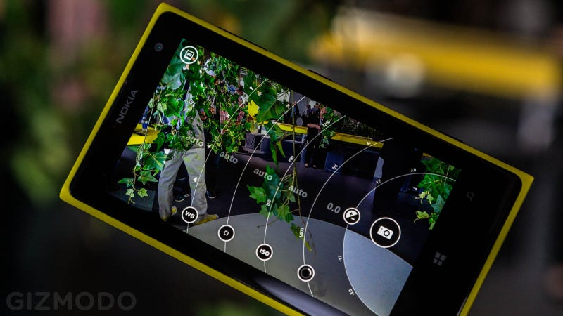 Illustration for article titled Nokia Lumia 1020 Hands On: This Actually Might Be Amazing