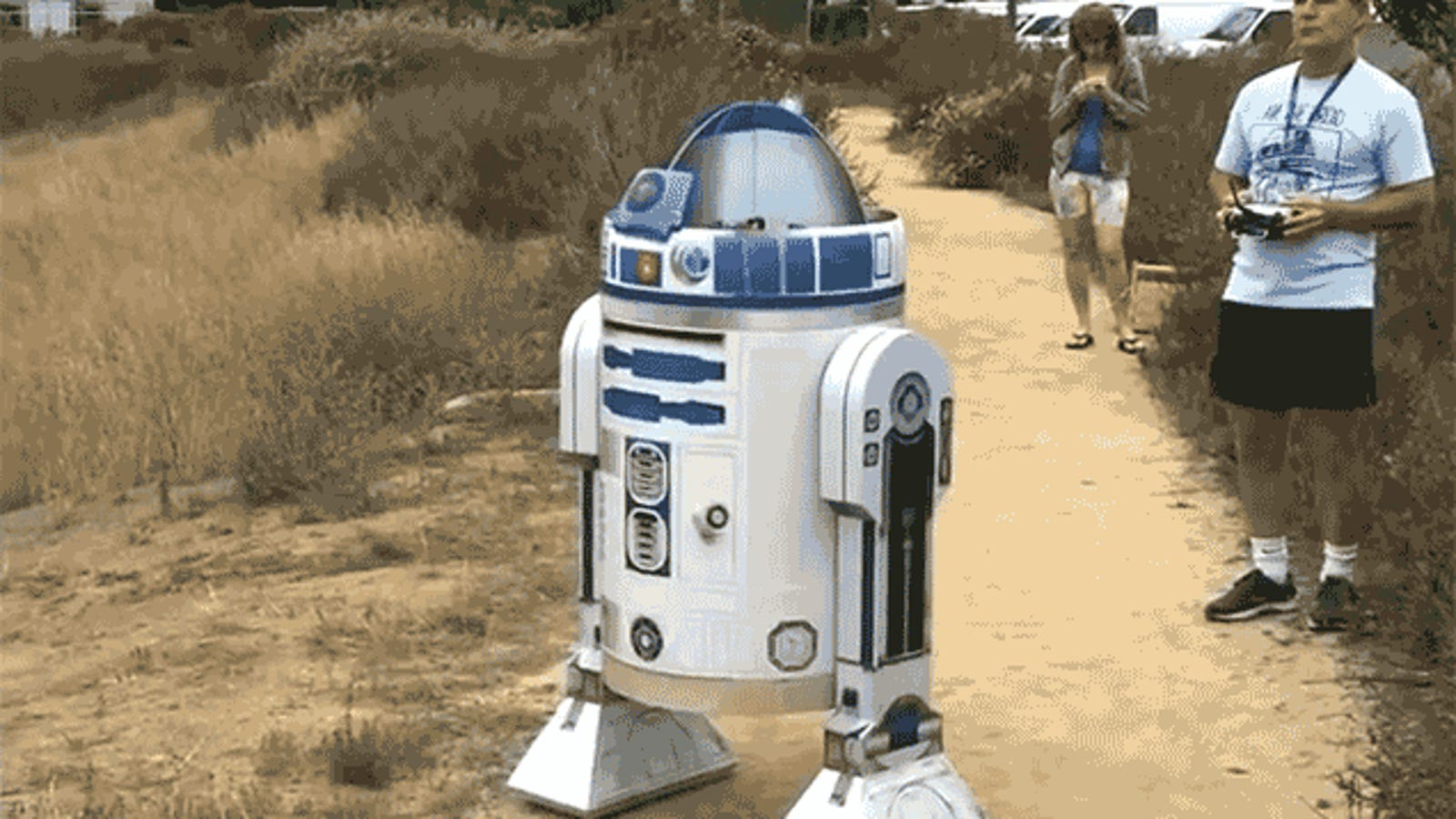 With a Drone Inside, R2-D2 Can Finally Fly Like a Bird