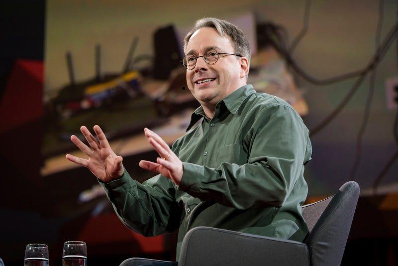 Linus Torvalds en una charla TED de 2016 en Vancouver. Imagen: TED (CC BY-NC)