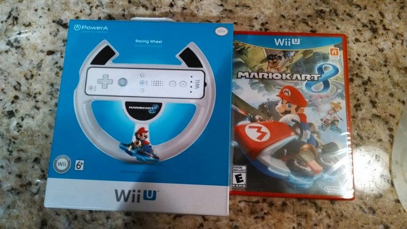 Illustration for article titled Buy Mario Kart 8, Get a Wii Wheel Free