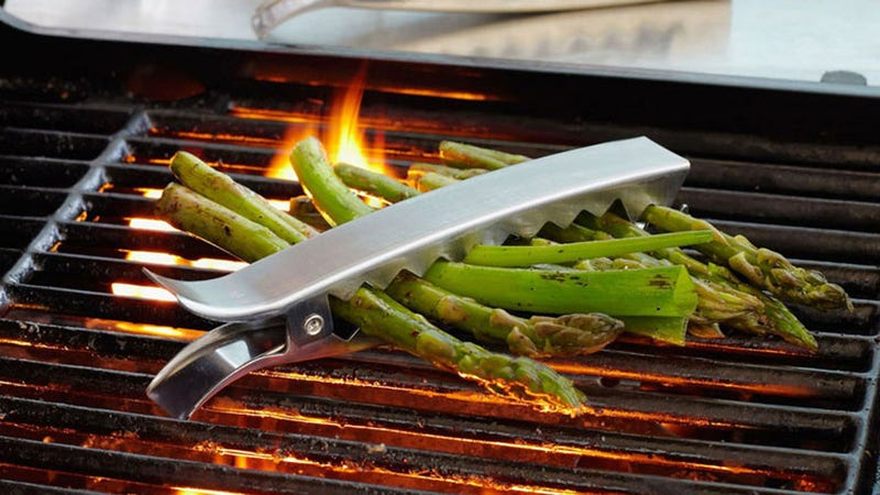 Illustration for article titled Grill Clips Take the Pain Out of Grilling Veggies