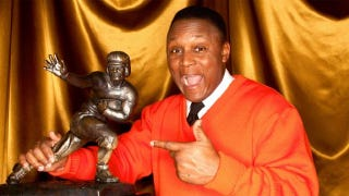 Illustration for article titled Barry Sanders Advances in the NIT of Cover Contests