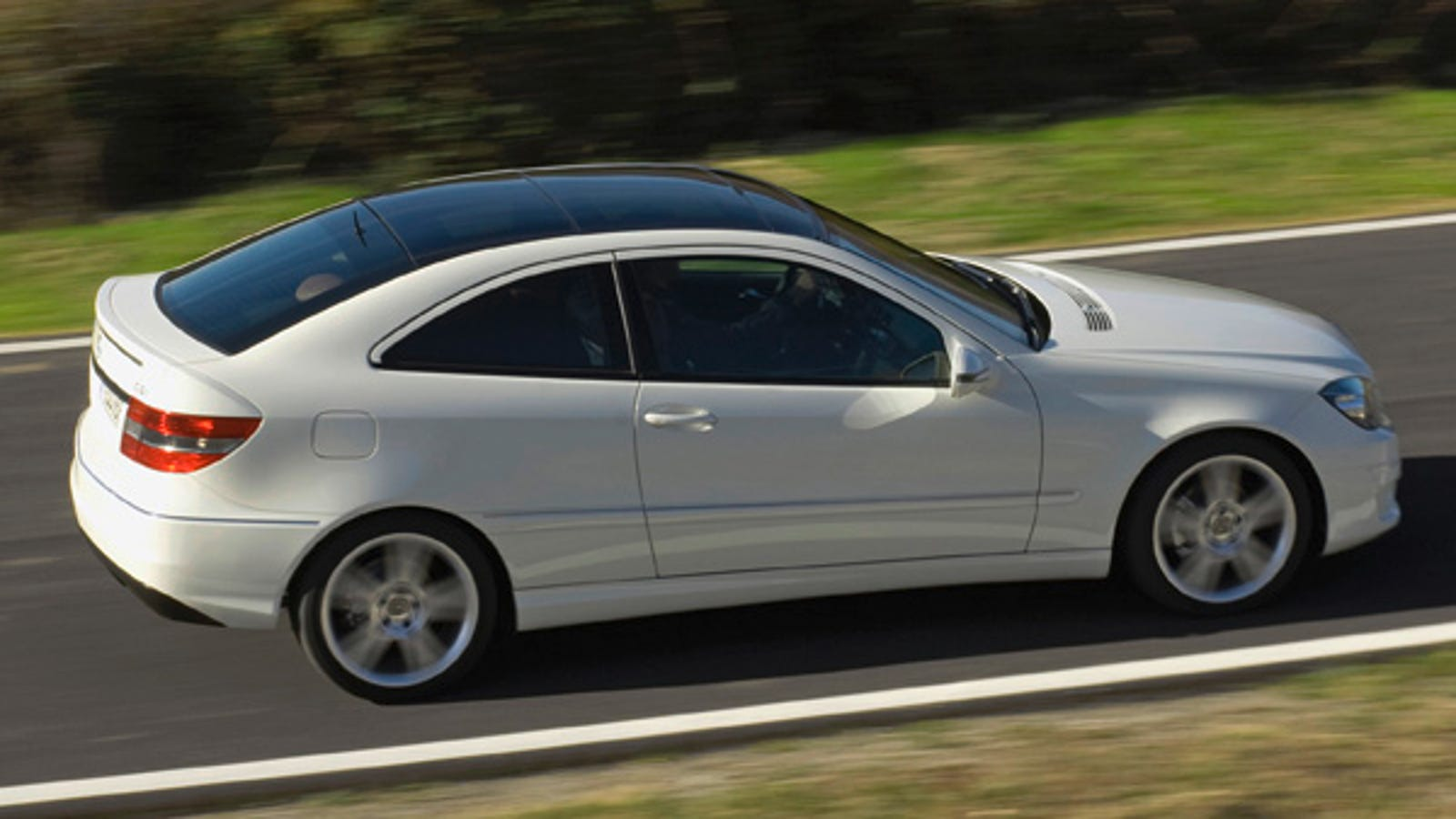 2009 Mercedes Benz Clc 220 Cdi Revealed We Applaud Diesel Goodness
