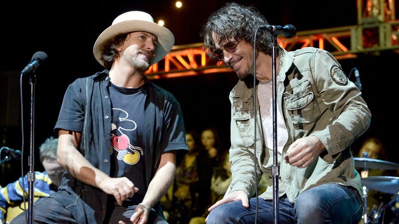 Vedder and Cornell at the 2014 Bridge School Benefit in California. (Photo: Tim Mosenfelder/Getty Images)