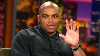 Illustration for article titled Charles Barkley Randomly Showed Up On The Phoenix ABC Local News And Attempted To Do The Weather Report