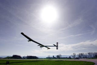 Illustration for article titled Solar Plane Takes To Skies For Experimental 24 Hour Flight