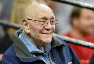 Illustration for article titled Hall Of Fame NCAA Basketball Coach Jerry Tarkanian Has Died