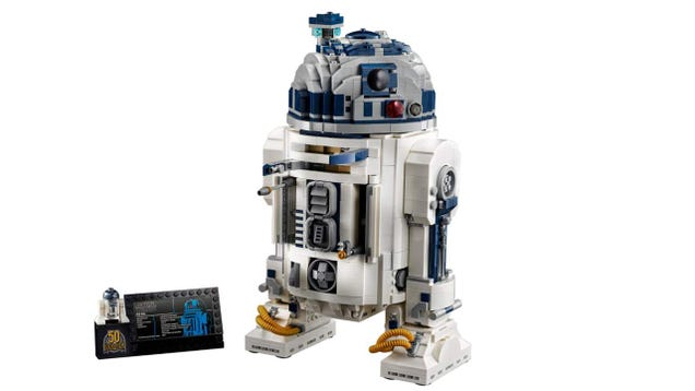 Lego s Giant R2-D2 Is, of Course, the Droid You ve Been Looking For
