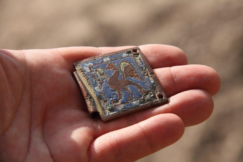 Illustration for article titled Gyönyörű dolgok kerültek elő egy Bugac melletti ásatáson