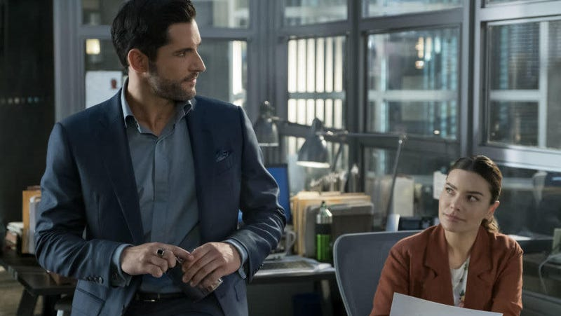 Lucifer (Tom Ellis) drinkin' on the job again, to the non-surprise of LAPD detective Chloe Decker (Lauren German).