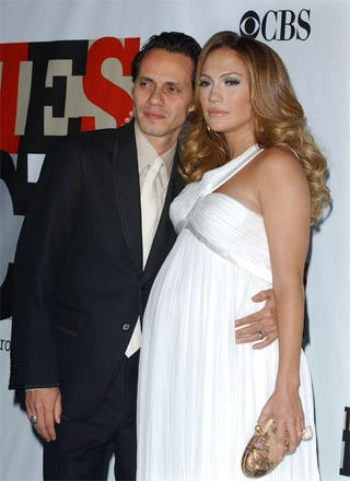 Illustration for article titled Jennifer Lopez' Totally Big Baby Bump