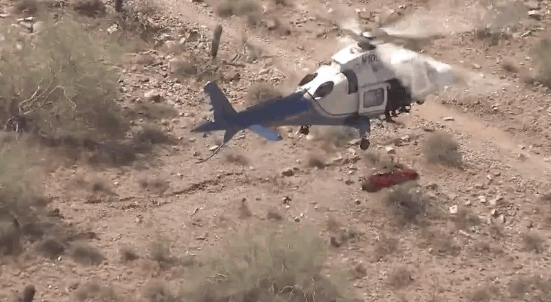Por qué el rescate en helicóptero a la excursionista de 74 años girando violentamente salió tan mal