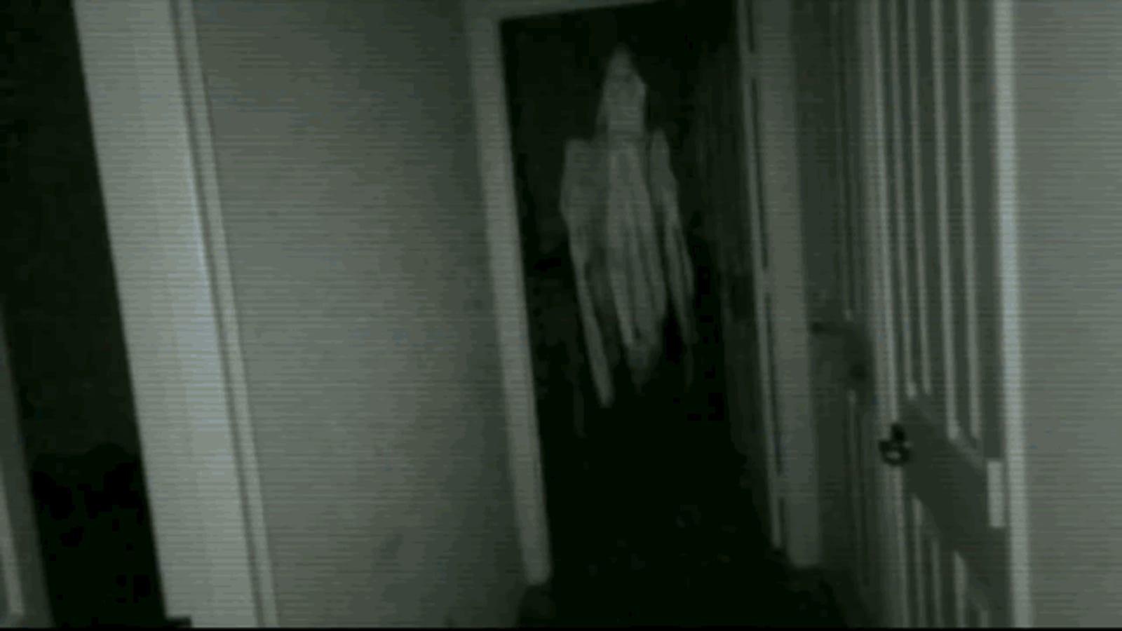 Este juego para móviles convierte tu casa en una película de terror