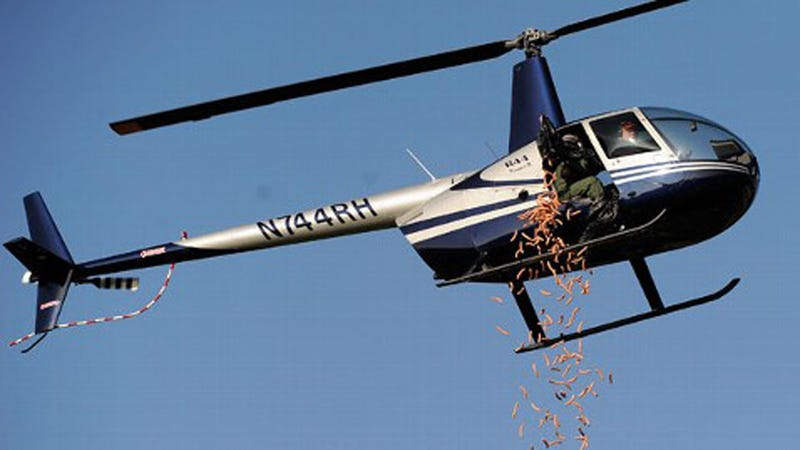 Illustration for article titled Helicopter Drops 955 Hot Dogs Over Detroit