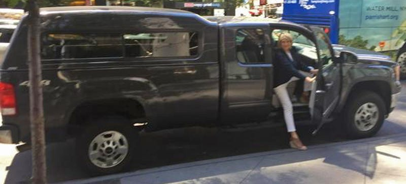 Illustration for article titled Martha Stewart Figures A Pickup Truck Is The Best Way To Get Around NYC