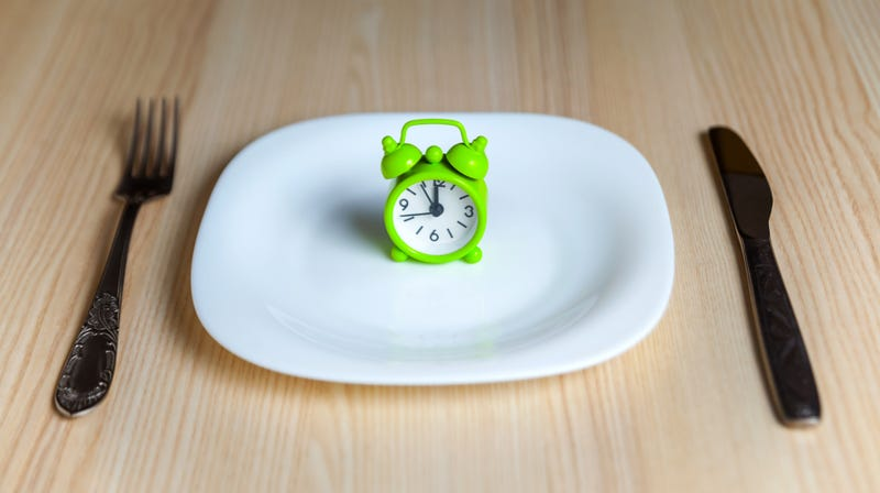 Illustration for article titled Study: Sorry, intermittent fasting is no better than regular dieting