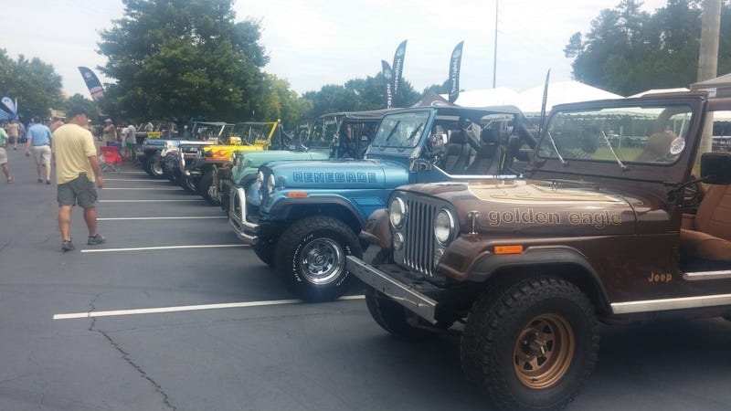 Illustration for article titled Swoon Over A Bunch Of Jeeps With Us Live Right Now!