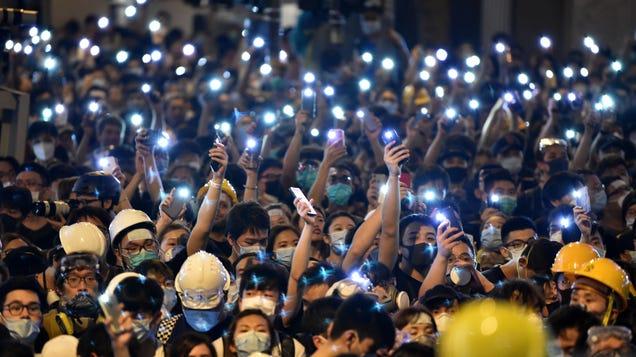 Google, Twitter, and Facebook Stop Handing Over User Data to Hong Kong Cops
