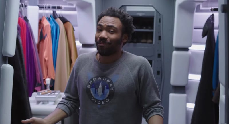 Lando has a cape room.