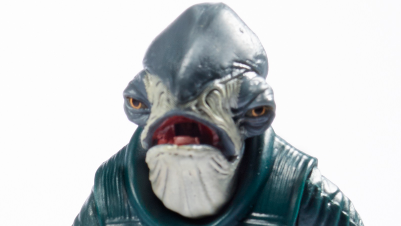 Illustration for article titled I Can't Get Over This Star Wars Action Figure's Hilariously Grumpy Face