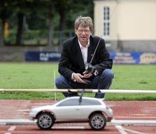 Illustration for article titled Tiny Volvo Helps Big Athletes