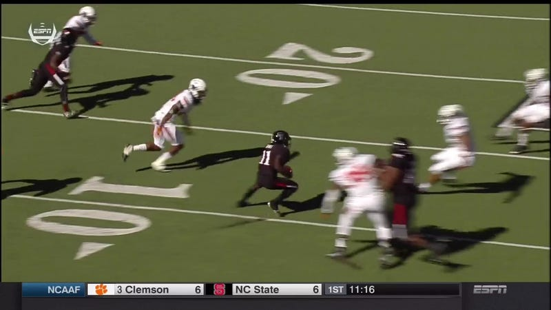Illustration for article titled Jakeem Grant Breaks Just About Everyone's Ankles On This 90-Yard Run