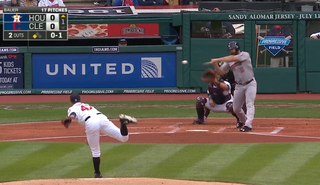 Illustration for article titled How The Hell Did Evan Gattis Turn This Pitch Into A Home Run?