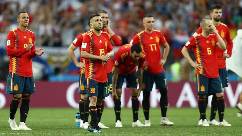 Illustration for article titled Russia Topple Spain In Penalties, Puke Puke Puke