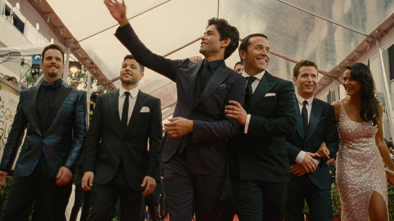 Illustration for article titled Entourage is just like its vacuous small-screen inspiration, only longer