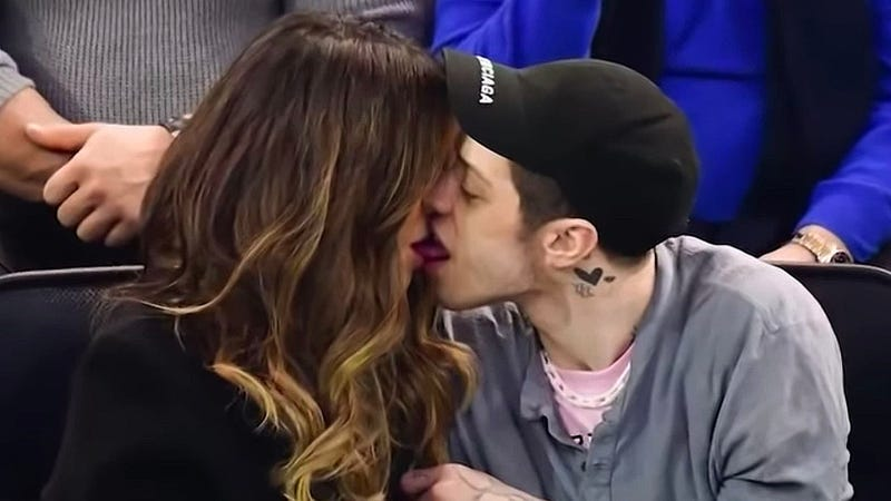 Illustration for article titled Tabloid Reveals Pete Davidson, Kate Beckinsale Only Dating As PR Stunt To Promote New York Rangers