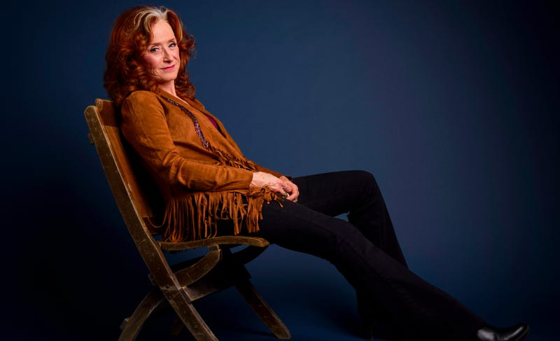 Illustration for article titled With Bonnie Raitt, There's Always One Thing to Hold on To
