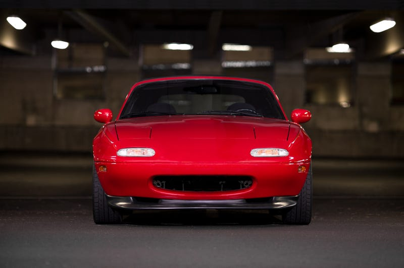 Your Ridiculously Adorable Mazda Miata Wallpaper Is Here